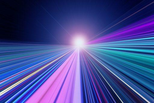 光速を超えるワープ航法は理論的に実現可能?