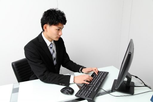 仕事の効率化に繋がるデスクの整理の仕方とは